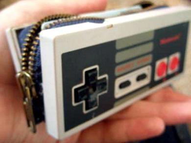 Кошелек из старого NES контроллера