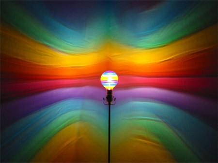 Mood Light Bulb наполнит комнату креативом