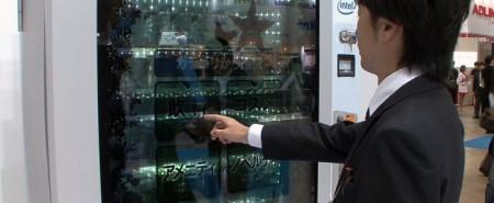 Okaya представила вендинговый аппарат с прозрачным дисплеем